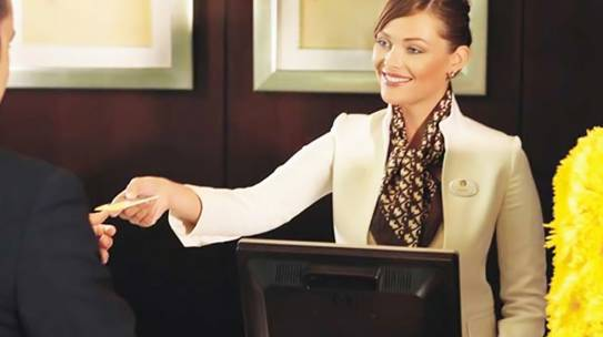 Skills to Make You an Excellent Front Desk Hotel Executive